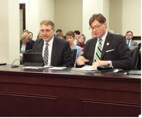Richard Nelson and Sen. Brandon Smith (KHN Photo)