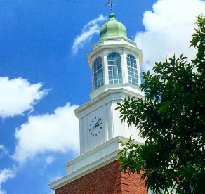 The Henry Clay Center for Statesmanship is an innovative nonprofit dedicated to educating students in the essential skills of negotiation, dialogue and compromise (Transylvania Photo)