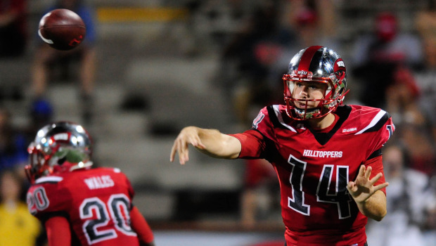 White Debuts With 517 Passing Yards Three Scores As Wku Overwhelms